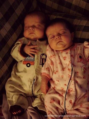twins sleep2